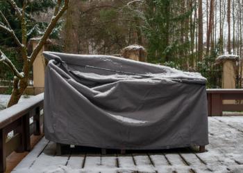 Comment protéger son mobilier de jardin en hiver ?