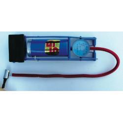 Pompe à pied mono cylindre + manomètre de marque OUTIFRANCE , référence: B1509200