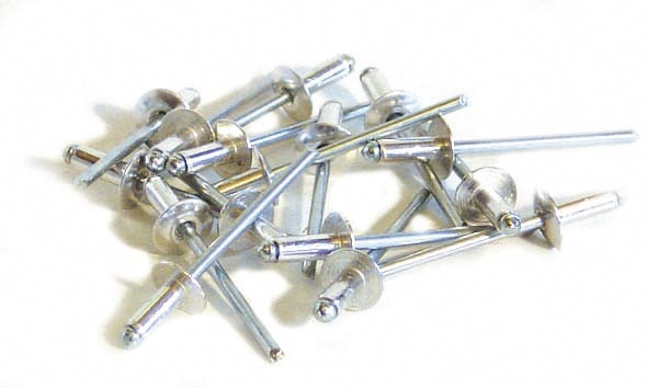 50 rivets alu / acier à tête plate Ø 4,8 x 30 mm