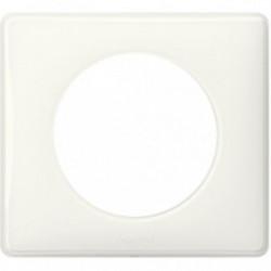 Celiane plaque 1 poste yesterday blanc de marque LEGRAND, référence: B4345100