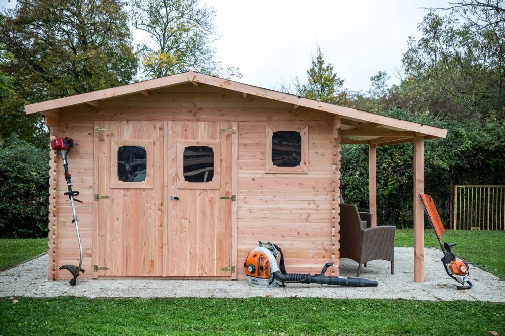 Abri DOMMAR Douglas madriers 28 mm - 17,20 m² - avec bûcher - sans plancher