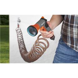 Kit d'arrosage avec tuyau flexible 10m de marque GARDENA, référence: J197600