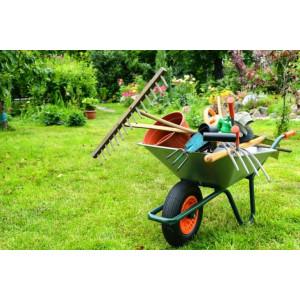 Outils à main pour déblayer - nettoyer le jardin