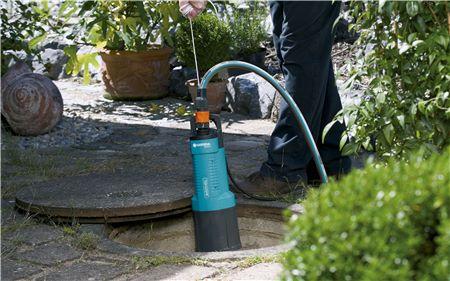 Un modèle de pompe à eau de jardin Gardena